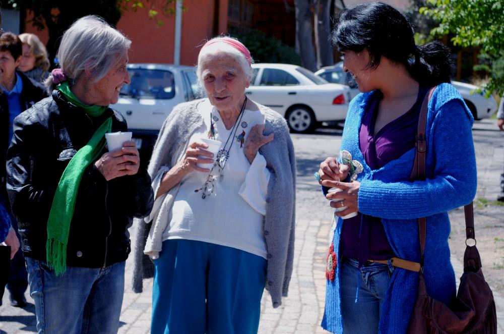 Homenaje a Rosa Dominga en Congreso de Teología Feminista